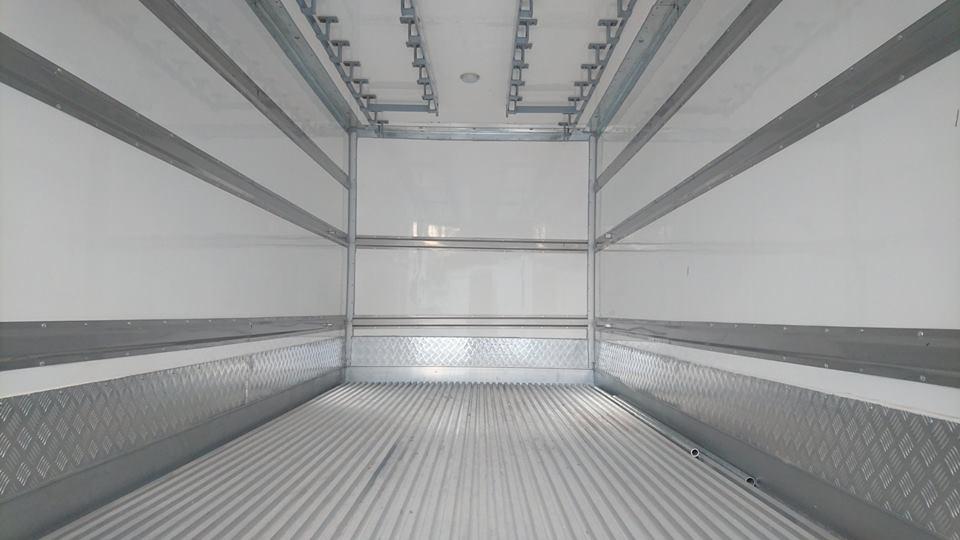 Equipos Especiales Para Transporte De Carne En Varas.
